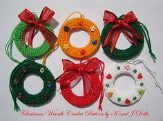 little crochet wreaths