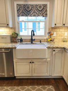 Exceptional Kitchen Remodeling Choosing a New Kitchen Sink Ideas. Marvelous Kitchen Remodeling Choosing a New Kitchen Sink Ideas. Best Kitchen Sinks, White Kitchen Sink, Farmhouse Sink Kitchen, Modern Farmhouse Kitchens, Diy Kitchen, Cool Kitchens, Kitchen Decor, Kitchen Cabinets, Kitchen Ideas