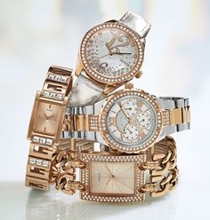 White and Gold absolutely gorge! Womens Month, Fashion Watches, Michael Kors Watch, Swag, Jewelry Design, Fashion Jewelry, Rose Gold, Jewellery, American