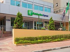 Sao Paulo Holiday Inn Express Avenida Sumaré Brazil, South America Holiday Inn Express Avenida Sumaré is conveniently located in the popular Perdizes area. The property features a wide range of facilities to make your stay a pleasant experience. Facilities like free Wi-Fi in all rooms, 24-hour front desk, facilities for disabled guests, luggage storage, valet parking are readily available for you to enjoy. All rooms are designed and decorated to make guests feel right at home,...