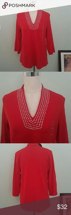 NWT Tunic with silver beads Tunic top gas side vents. Chest 36 inches. 26 inches long. Jones New York Tops Tunics