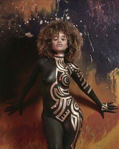 "Body (Part a., ""Computer Blue"" (the ""Body Paint"" Slideshow) Black Women Art, Beautiful Black Women, Black Girls, Beautiful Curves, Female Body Paintings, Female Art, Chica Fantasy, Afro Art, Poses"