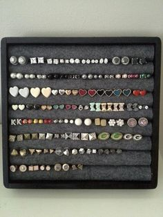 Crafty... Creative... Crazy?: Earring Display/Storage (Pinterest)