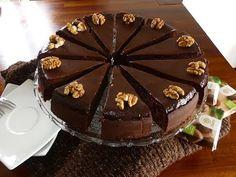 Schokoladentorte/ Becherkuchen/ Festtagskuchen/ chocoholic/Schokolade macht glücklich/ENG SUB/lecker - YouTube Desserts, Food, Youtube, Malta, Biscuits, Quick Cake, Postres, Deserts, Hoods