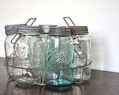 Vintage Wire Round Mason Jar Holder