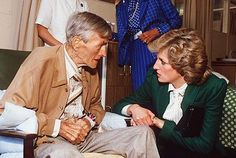 Diana had a powwow with a patient at St. Joseph's Hospice in Hackney, London, in 1985.
