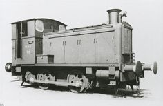 WD 32 = WD 70032 = WD 822 = WD 125. On the picture, found on the internet, just out of factory Railroad Pictures, Train Art, Panzer, D Day, Model Trains, Locomotive, Scale Models, Truck, British