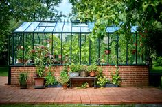 Greenhouse /Växthus How you build it yourself Potting Tables, Hothouse, Charming House, Victory Garden, Conservatory, Deco, Sunroom, Garden Tools, Living Spaces