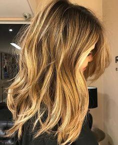 Honey Blonde Balayage Hair Highlights. Gorgeous Hair Color! | Ledyz Fashions || www.ledyzfashions.com