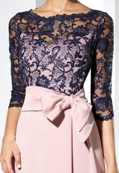 vestido-de-madrina-largo-encaje-y-crep-con-escote-ilusion (1)