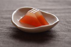 日本人のおやつ♫(^ω^) Japanese Sweets 伝統の和菓子 Wagashi 富士山型羊羹 Yokan Mt. Fuji Apricot flavor.