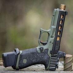 Glock19 custom #glock #glock19 #custom #gun #pistol #handgun #austria #usa #range #shooting #9mm #9mmpistol #guncustom