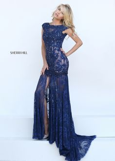 I don't have any reason to wear a dress, but this dress really makes me wish I had a reason. This is stunning.