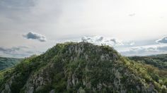 Valea Cernei rimeaza cu natura si aventura. De la Vertical Adventure semnatura. | Jurnal de Hoinar