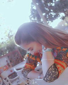 Amazing Dp, Cute Selfie Ideas, Girly Pictures, Girly Pics, Mehndi Designs For Fingers, Stylish Girl Images, Selfie Poses, Photography Illustration, Pakistani Actress