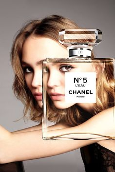 Lily-Rose Depp is the face of the new Chanel No.5 L'Eau : good lineage for years back in either direction.