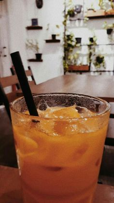 Thai Tea by Aegis Coffee 📍Yogyakarta Food N, Food And Drink, Bubble Milk Tea, Thai Tea, Food Snapchat, Quick Healthy Breakfast, Italian Coffee, Sweet Life, Coffee Drinks