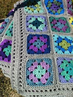 Crocheted afghan granny square afghan 20 shades--grey border--MADE TO ORDER op Etsy, 132,20€