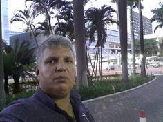 Por Aguiasemrumo: Romulo Sanches de Oliveira  Indivíduo que pratica atividades criminosas com legitimidade de poder público deveria devolver em dobro tudo que recebeu, sem dó e sem piedade, inclusive os salários.