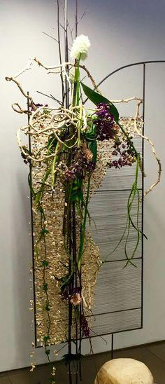 Contemporary Flower Arrangements, Creative Flower Arrangements, Flower Show, Flower Art, International Flowers, Gregor Lersch, Cascade Design, Ikebana Sogetsu, Art Floral