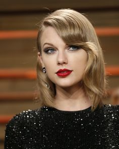 Which Pop Star Should Be Your Best Friend? Taylor swift should be my best friend i have Katy Perry Estilo Taylor Swift, Taylor Swift 2014, Taylor Swift Moda, Taylor Swift Style, Beautiful Taylor Swift, Vanity Fair Oscar Party, My Hairstyle, Glamour, Red Lips