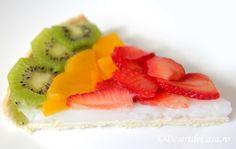 Tarta de post cu fructe Strawberry, Food, Pie, Essen, Strawberry Fruit, Meals, Strawberries, Yemek, Eten