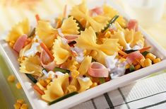 Kombináld a tésztát egy kevés zöldséggel, és jól hűtsd be a keveréket. Így laktató és könnyű irodai fogást készíthetsz magadnak. Penne, Pasta Salad, Macaroni And Cheese, Snacks, Ethnic Recipes, Party, Bacon Recipes, Greek Salad, Healthy Eating