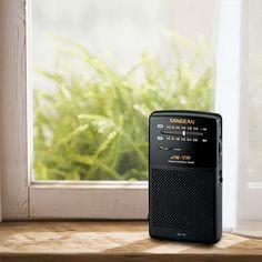 창가의 SR-35 아날로그 휴대용 라디오
