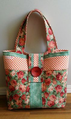 Made by Linda @ Novice Beginnings & found on Carmen's Beyond the Fringe - pretty!