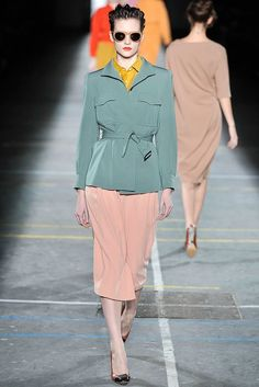 Dries Van Noten Fall 2009 Ready-to-Wear Collection Photos - Vogue