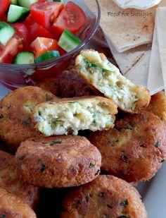 Φαλάφελ με σος ταχίνι Falafel, Tahini, Food Menu, Finger Foods, Potato Salad, Potatoes, Meat, Chicken, Ethnic Recipes