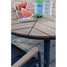 Leaf, ronde tafel van Cinas. Ideaal voor buiten met een antraciet aluminium frame met polywood tafelblad.