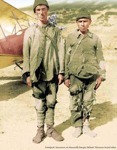 """18 mart Çanakkale  Atatürk ve Amerikalı general arasındaki konuşma!!.  Çanakkale Savaşı sonralarında   General Atatürk' e dönerek şunu söyler: """"SİZ ÇANAKKALE ZAFERİNİ BU ASKERLERLE Mİ KAZANDINIZ ?""""  Atatürk - """"EVET Biz Çanakkale'yi bu askerlerle kazandık"""""""