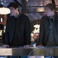 "MATTHEW DADDARIO, WILL TUDOR 2x15 ""A Problem With Memory,"""