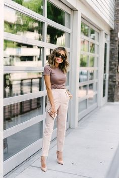 Pants outfit, dress pants, stylish work outfits, summer work outfits, w Summer Business Casual Outfits, Stylish Work Outfits, Summer Work Outfits, Work Casual, Classy Outfits, Business Attire, Work Outfits Office, Chic Outfits, Semi Casual Outfit