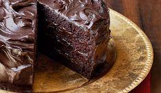 Bolo Especial de Chocolate. Bolo com Chocolate em Pó DOIS FRADES, Creme de Leite NESTLÉ e Chocolate NESTLÉ CLASSIC Meio amargo