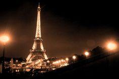 """毎年パリに行っていると周りからよく尋ねられる 「どうしてそんなにパリが好きなの?」  もはや """"無…"""