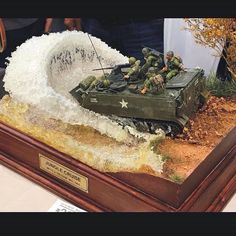Jungle Cruise!! Unknown modeler From: pinterest  #scalemodel #plastimodelismo #miniatura #miniature #miniatur #hobby #diorama #humvee #scalemodelkit #plastickits #usinadoskits #udk #maqueta #maquette #modelismo #modelism