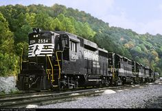 RailPictures.Net Photo: NS 2594 Norfolk Southern EMD GP30 at Andover, Virginia by Ron Flanary