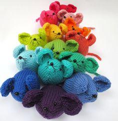 Gebreide Rainbow muis patroon van PlanetPennyUK op Etsy