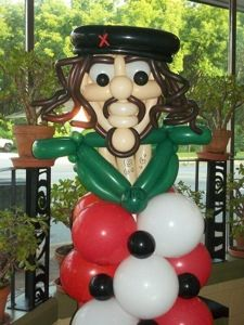 Che Guevara Balloon Bust on Column Made by Patricia Balloona. Check out More of my work also on my Facebook Page https://www.facebook.com/patriciaballoona27