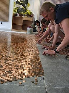 DIY Penny Floor - I LOVE this! Now I gotta talk hubby into installing a penny floor SOMEwhere! Penny Boden, Furniture Projects, Home Projects, Do It Yourself Inspiration, Up House, Home And Deco, Looks Cool, My New Room, My Dream Home