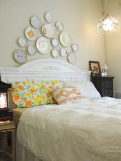 Little Lovables: Homefront: Adding a Plate Wall to our White Vinage Linen Bedroom