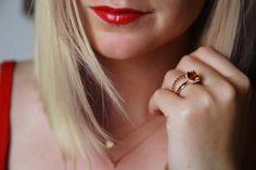 Wir finden, der trendige Layering-Look passt nicht nur in den Sommer! Unsere Gastbloggerin Lina verrät uns dennoch auf Brilliant Looks, warum sich diese Farbtöne besonders für den Sommer eignen! www.brilliant-looks.de