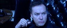 Michael Keaton prende il posto di Hugh Laurie in #Robocop.