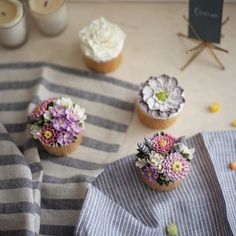 wild flower  #플라워케이크 #플라워케익#koreanflowercake #flowercake #buttercream #韓式唧花…
