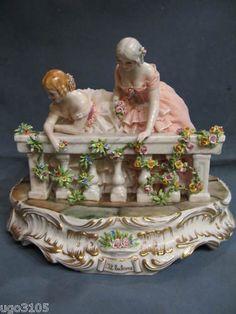 Porcellane Capodimonte Collez.Fabris, DAME AL BALCONE  in Arte e antiquariato, Porcellana e ceramica, Statuine, Capodimonte | eBay