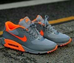 Nike Air Max i need these NOW. Nike running shoes for off. Nike Shoes Cheap, Nike Free Shoes, Nike Shoes Outlet, Running Shoes Nike, Cheap Nike, Running Sports, Running Trainers, Running Tips, Air Max Sneakers