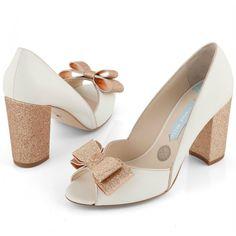 Zapatos de Novia Peep Toe con tacón block modelo Becky Rose de Charlotte Mills ➡️ #LosZapatosdetuBoda #Boda