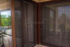 Igényes pliszé szúnyogháló nappalikhoz. Nagy felületek lefedésére is alkalmazható. Wooden Window Blinds, Wooden Windows, Blinds For Windows, Living Room Blinds, House Blinds, Hunter Douglas Blinds, Bamboo Blinds, Curtains, Furniture